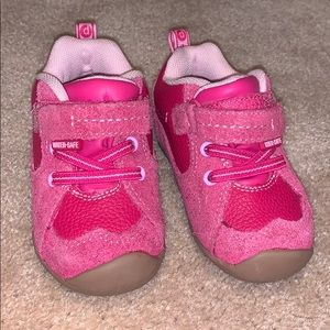 Toddler girl PediPed sneaker/boots.